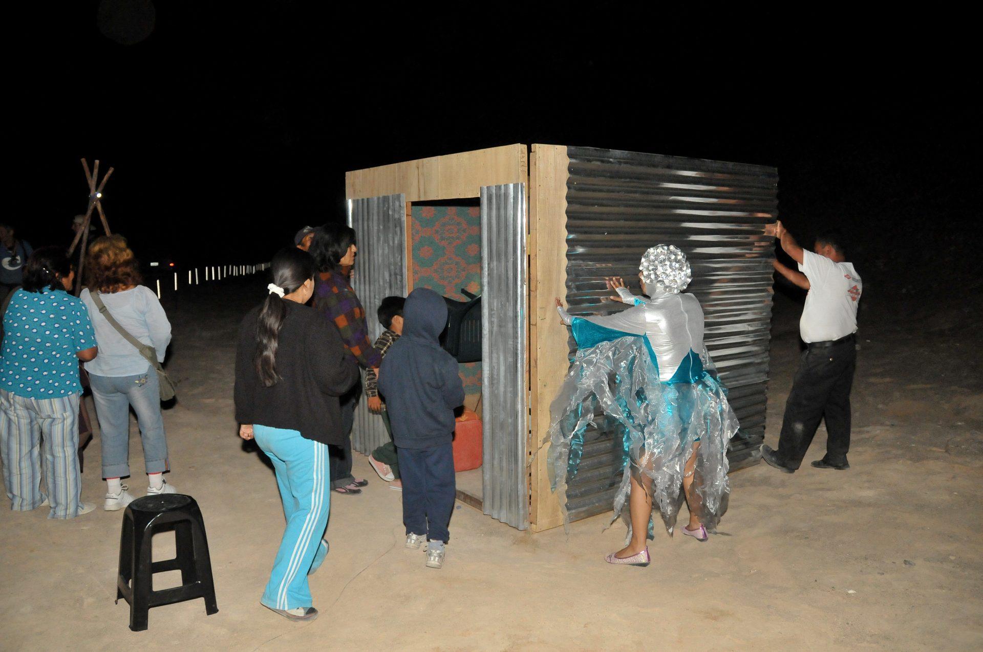 2008_peru_desierto_present3_01_desert_moon