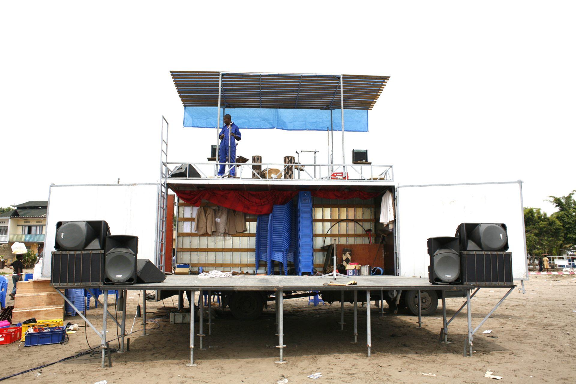 Opbouw vrachtwagen Basal'ya Bazoba Congo Kinshasa 2009